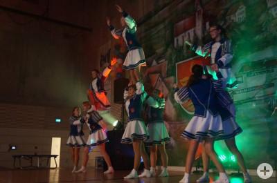 Garde der Baronengilde Lackendorf bei einem Auftritt in der Eschachtalhalle